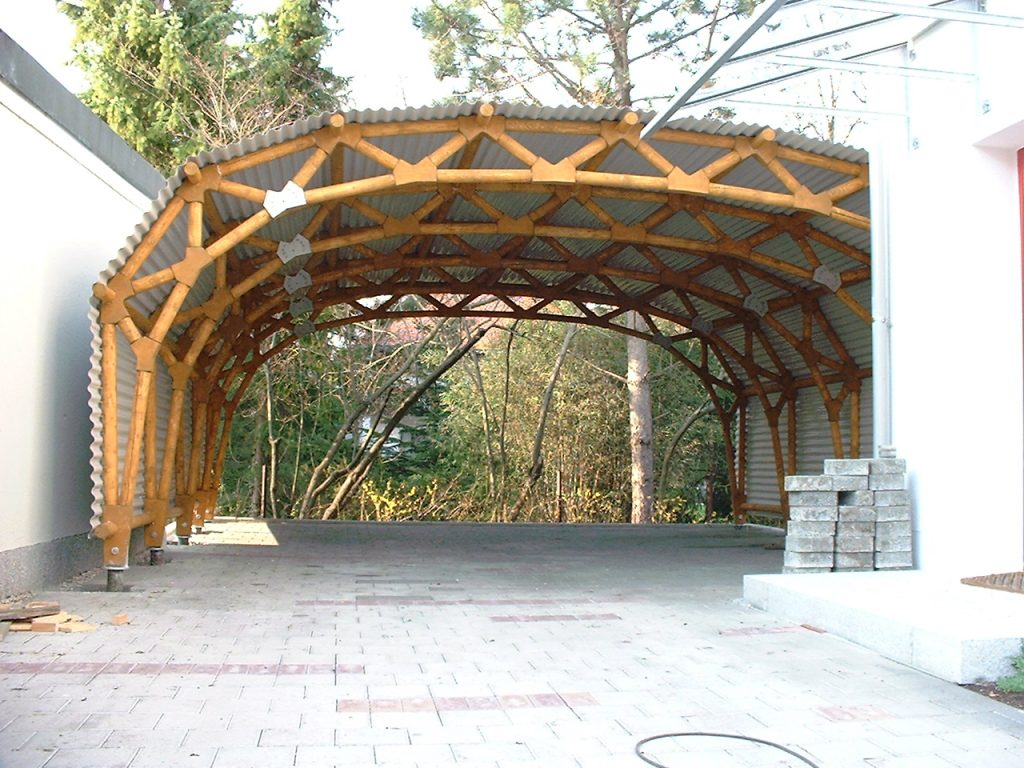 Wood carport free baring